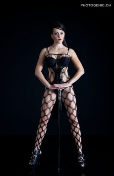 Domina Strip Show